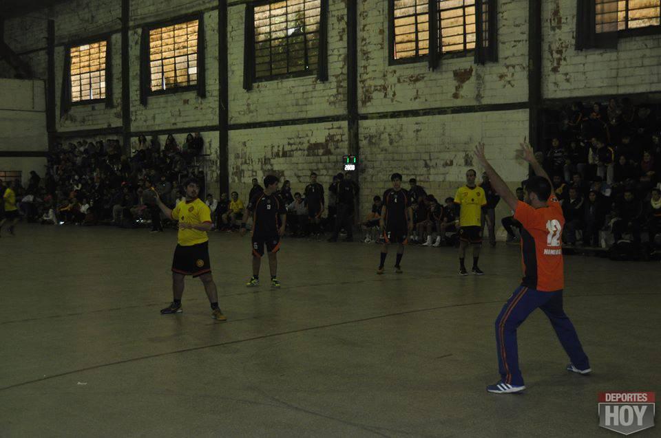 Handball Belgrano y Regatas 13479328_10208379226831957_1809658176_n
