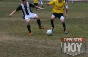 Futbol - General Rojo y La Emilia 13659020_1737737649780126_3118856013192173611_n