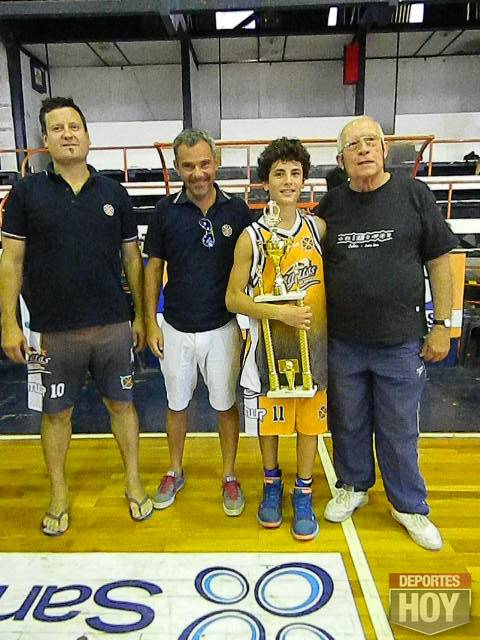 basquet-u13-campeon-regatas-2016-016